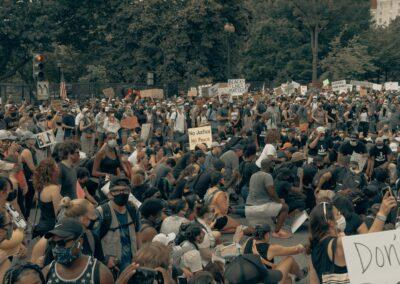 Tomasz Wróblewski: w USA rewolucja dociera nie tylko do uczelni, ale także do korporacji